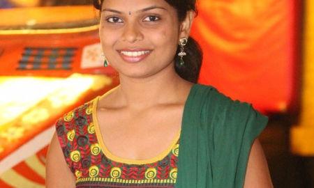 Komal Khamkar, Marathi Actress