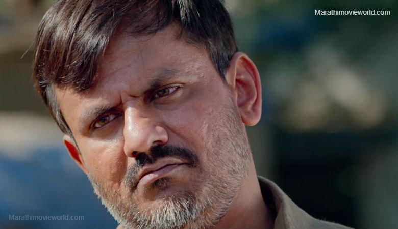 Girish Kulkarni in Marathi movie 'Faster Fene' Still