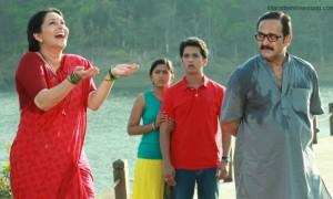 Ashwini Bhave, Mrunmayee Deshpande, Abhijeet Khandkekar and Mahesh Manjrekar in Marathi movie 'Dhyanimani' still