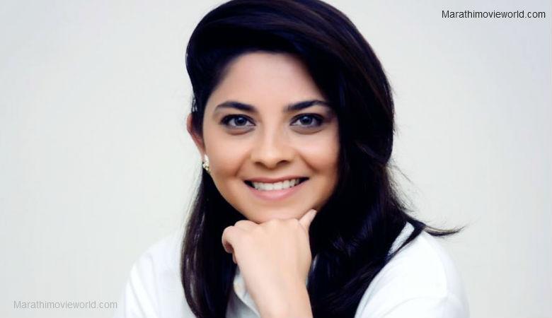 Actress Sonalee Kulkarni Profile Image