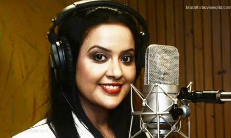 Amruta Fadnavis Singer Image