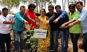 Ashwini Ekbote, Kiran Yadnyopavit, Vinod Satav Pravin Tarde