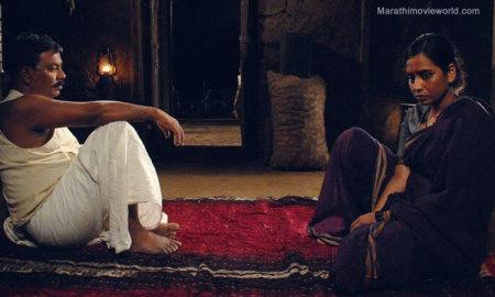 kishore-kadam-smita-tambe-in-partu-movie