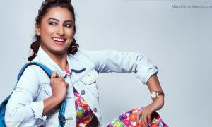 Actress Kranti Redkar