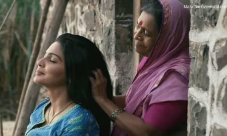 Pooja Sawant and Usha Naik in Marathi movie 'Lapachhapi'