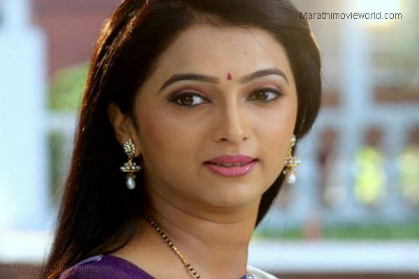 rujuta deshmukh marathi actress