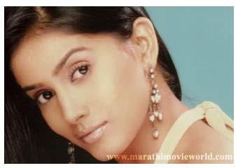 Sonali Kulkarni, Actress