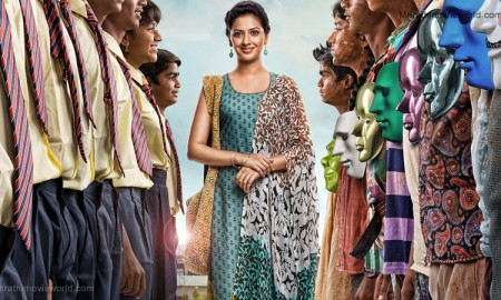 Actress Tejashree Pradhan in Marathi movie 'Oli Ki Suki'
