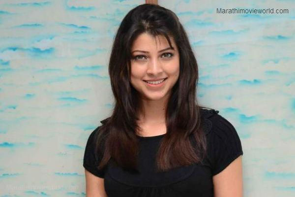 Tejaswini Pandit Actress